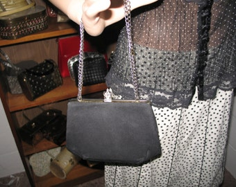 FREE SHIPPING! LB 2-4***1950's/1940's crepe evening bag-chain straps-Cuter Than Crap!