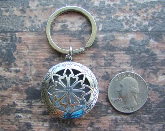 SIMPLICITY Antique Silver Aroma Therapy Key Ring, Essential Oil Diffuser Key Ring