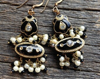 Enamel Indian inspired earrings (Black)