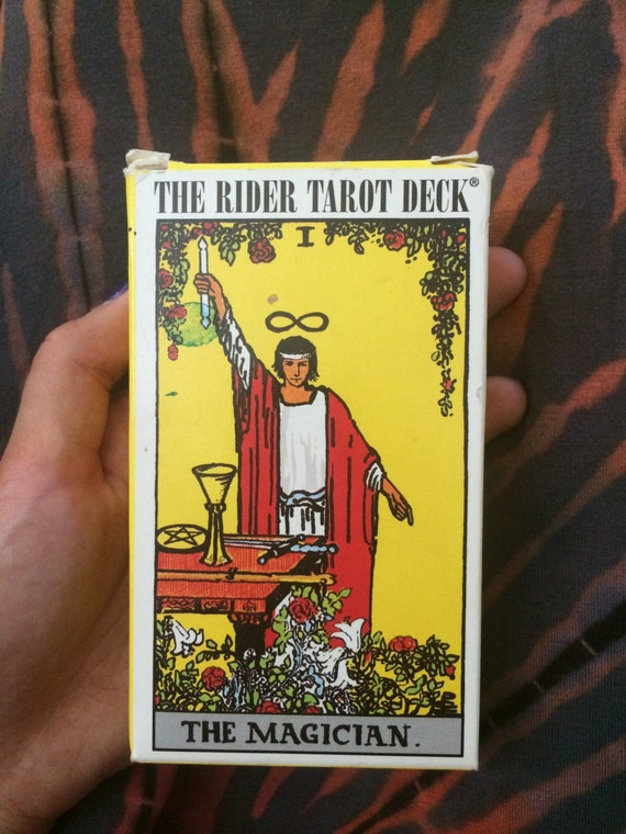Rider Tarot Deck: Complete Deck With Guide Pamphlet