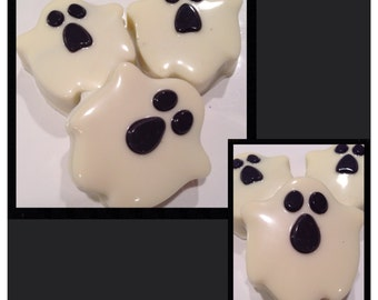 Halloween ghosts chocolate covered oreos - halloween party chocolate favors