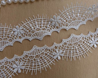 "Ornate Venise Lace Trim in White 1.34"" wide, Bridal Gown Fabric Trims, White Scalloped Lace, Necklace, Jewelry Lace"