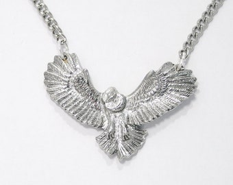 Flying Owl Necklace in English Pewter, British Made, Gift Boxed, bird (ae24)