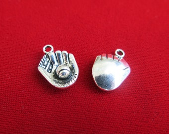 "BULK! 30pc ""baseball glove"" charms in antique silver style (BC126B)"