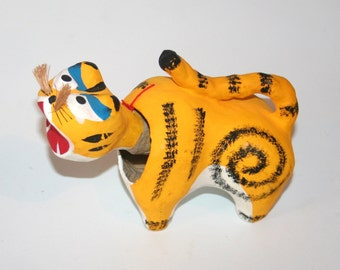 Vintage Oriental Nodding Paper Mache Cat - Stunning Bright Colours / MEMsArtShop .