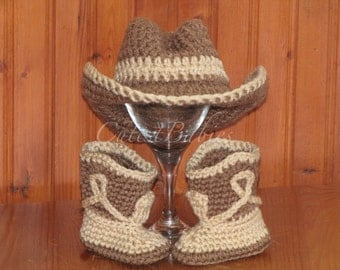 Newborn Baby Crochet Cowboy Costume Hat & Boots Photo Prop.