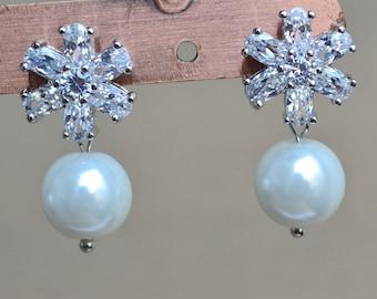 Wedding Jewelry ,Bridal Earrings , Crystal cubic zirconia  earrings,Glass Pearl earrings,white pearl earrings,Jewelry,Maid of honor jewelry