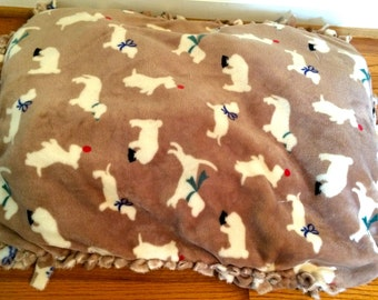 Customizable Medium-Sized Dog Bed [Sample Only]