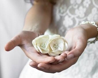 Wedding Accessories, Bridal  Flower Hair,  Bridal Hair,Wedding hair accessory, Bridal Accessor