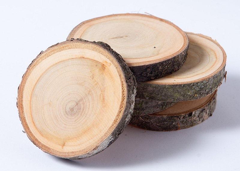 dischi di legno rustici sottobicchieri di piccolo albero di