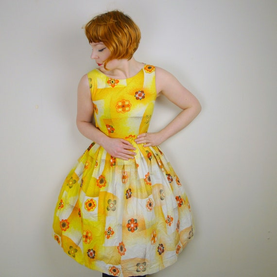 Sunny YELLOW 50s 60s dress floral RETRO romantic SUMMERY vintage rockabilly sun dress uk8 Small