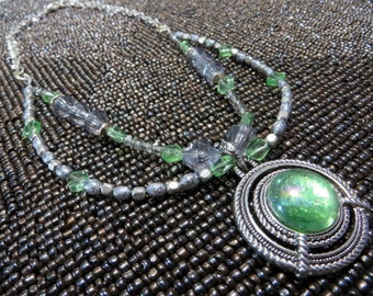 Green and silver pendant bib necklace