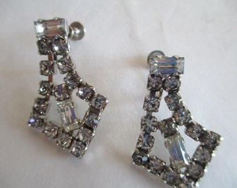 Jewelry, earrings, Vintage, Rhinestone Vintage Clip-on Earrings.  Gorgeous with all original Stones.