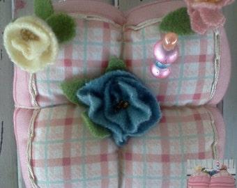 Wool Flowers Pincushion - Handmade Pincushion - Primitive Rose Pincushion - Primitive Pincushion