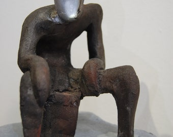 The new thinker - rusted clay - 20x20x30