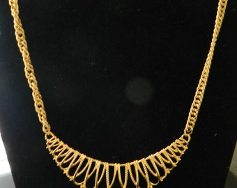 Vintage Beautiful Avon Goldtone Necklace