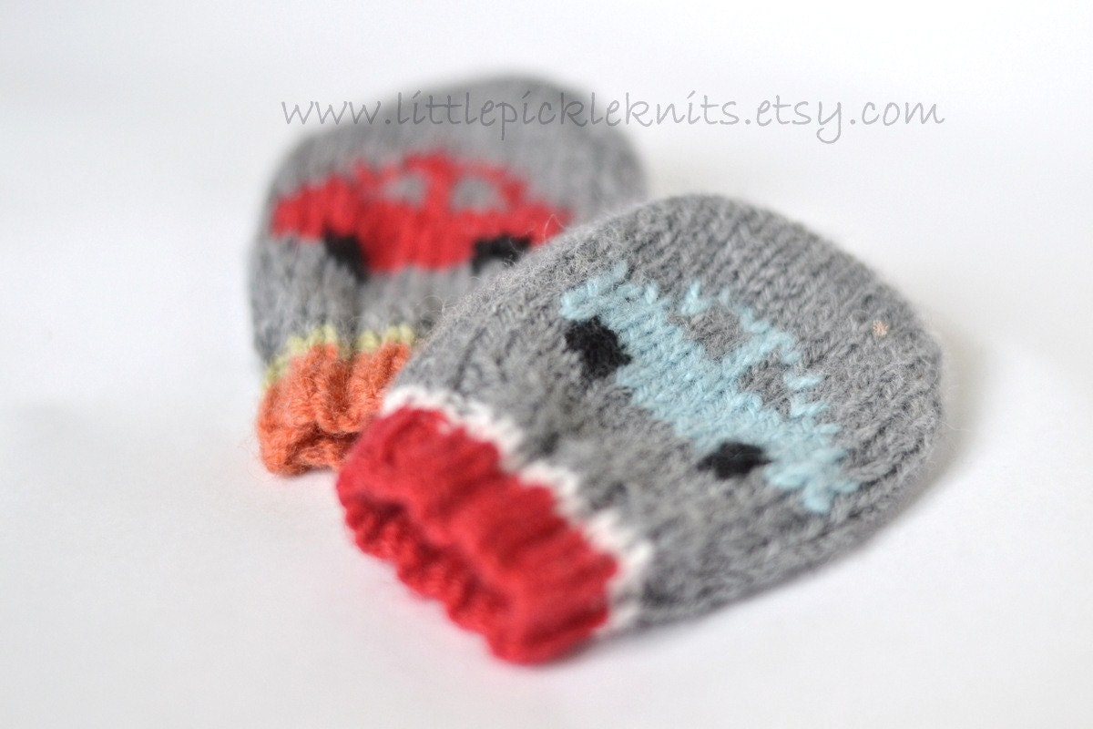 Knitting Pattern For Newborn Mittens : BABY KNITTING PATTERNS baby mittens little cars newborn to