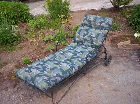 Vintage hollywood glam metal chaise lounger w wheels and custom sunbrella ato - Chaise metal vintage ...
