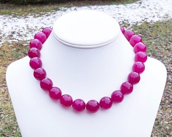 Rowelle - GORGEOUS Chunky 16mm Round Multifaceted Raspberry Red Jade Beaded Gemstone Necklace