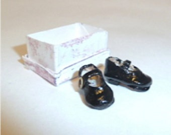 Mary Jane shoes child size Made of leather and comes with the shoe box  dollhouse miniature 1/12 scale