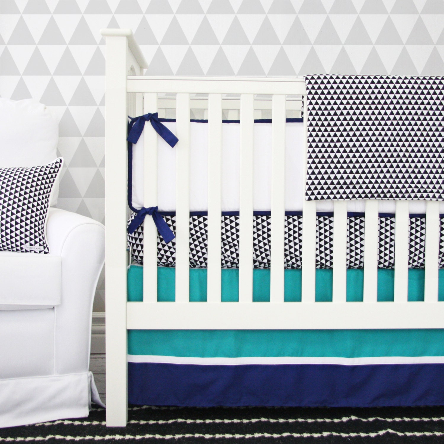 20 off sale 2 pc set only deco navy arrow by cadenlanebabybedding - Deco babybed ...