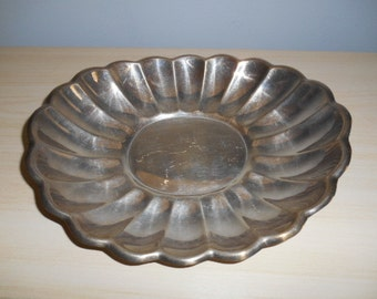 Vintage Silverplate Silver Plate Scalloped Bread Tray Reed & Barton 113 Holiday