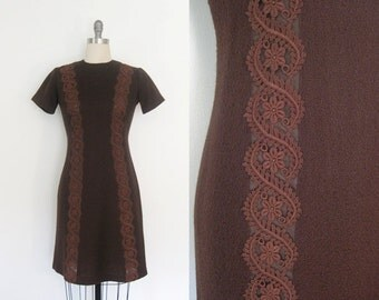 1960s Shift Dress // 60s Vintage Mod Mini Dress Brown Lace Crew Neck Wool Texture Short Sleeve // XSmall Small XS S