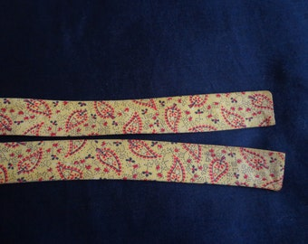 Vintage  Neck tie yellow red paisley cotton