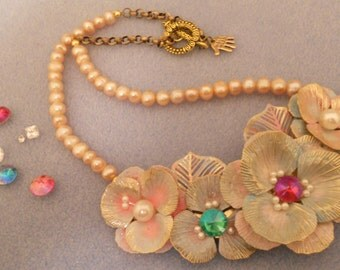 Flower Power Necklace by Lillyangel