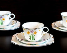 Stylish hand-painted art deco tea set by Melba bone china from the 1940s