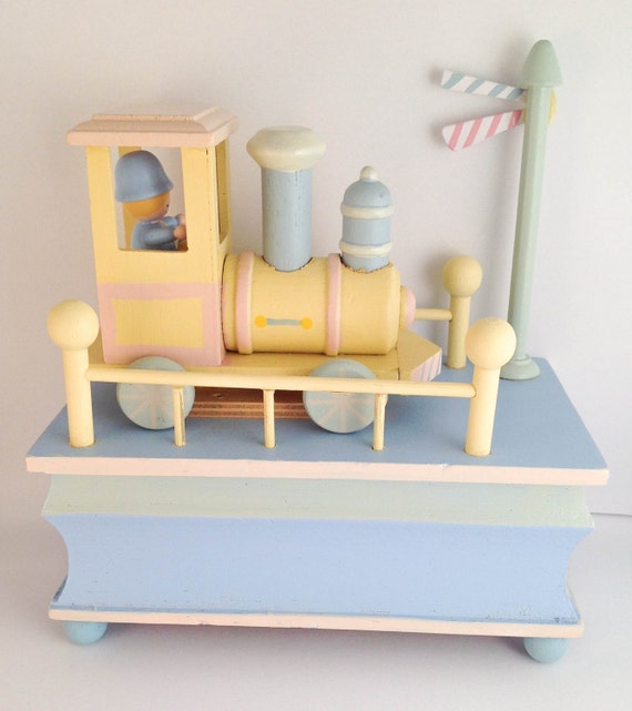 Baby nursery decoration nursery decoration unisex train decoration music box baby nursery music box  vintage music box wooden box