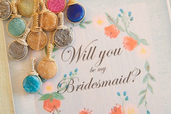 Sweet way to ask your girlfriends to be your bridesmaid