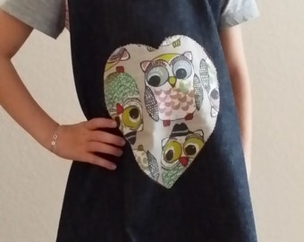 Kids aprons to the dressing and feel good