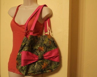 Pink and green camo bow purse