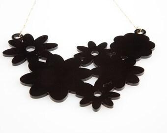 Fin de Siècle: Renaissance Necklace Flower