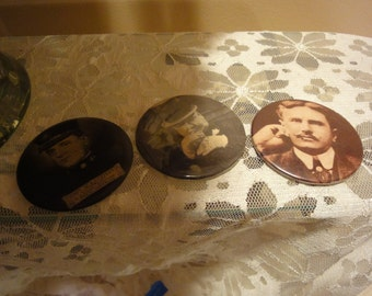 Vintage Badge A Minit/Mirrors/Buttons