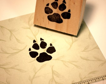 Hand carved rubber stamp - wolf paw print.