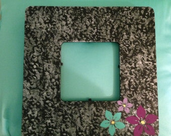3 Flowers picture frame with protective plastic insert