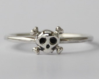 Tiny Skull Sterling silver stacking Ring , Fun, Sweet petit skeleton ring, Goth Punk Jewelry, Halloween, Statement ring, Teenage jewelry