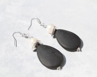 Black agate and pearls