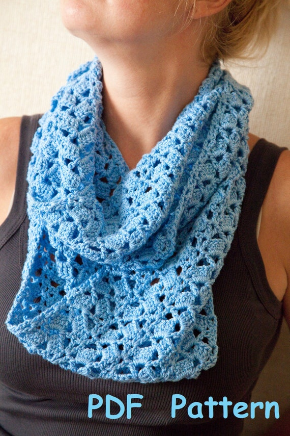 Crochet infinity scarf with single seam Easy crochet circle