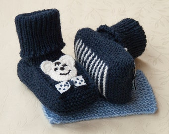 MADE TO ORDER/ Hand knitted baby booties with crocheted application/ merino wool