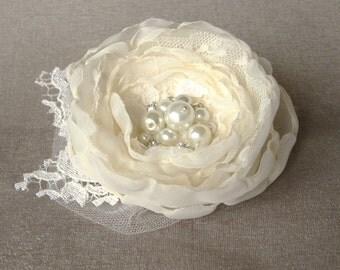 Bridal Flower fascinator, vintage rustic bridal Hair clip Ivory lace  veil pearls rhinestones wedding headpiece Hair flower