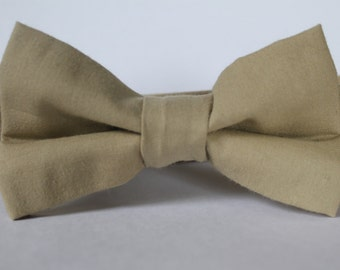 Khaki tan bow tie, baby, boy, adjustable velcro closure