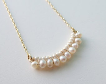 Freshwater pearl Necklace // 16 inches 14k gold filled  Necklace
