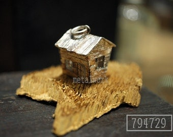 MW P1028 The 925 Silver House Pendant