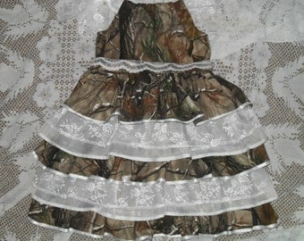 Little girls camo and lace. Something different for Weddings, Parties, Pageants,dressup, or just for fun.Contact for custom orders