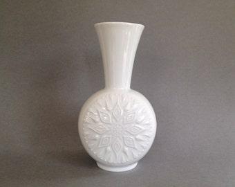 Vohenstrauss Seltmann 1828 - 21  Bavaria white Porcelain 1960s vase West Germany.