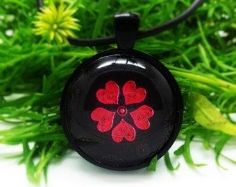 Artful Flower Pendant Necklace (2)