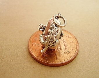 Sterling Silver Opening Acorn - Squirrel Charm Charms